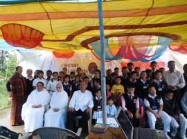 CHILDREN AND PARENTS GATHERED TO CELEBRATE INDEPENDENCE DAY
