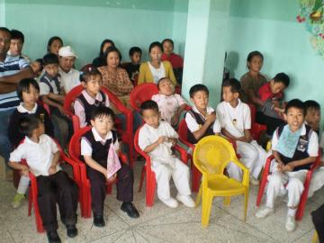 A SECTION OF PARENTS WITH STUDENTS